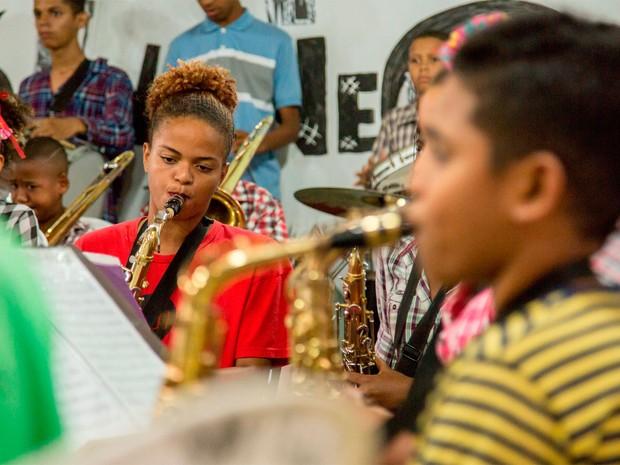 Neojiba reúne bandas filarmônicas no Teatro Castro Alves (Foto: Lenon Reis/Divulgação)