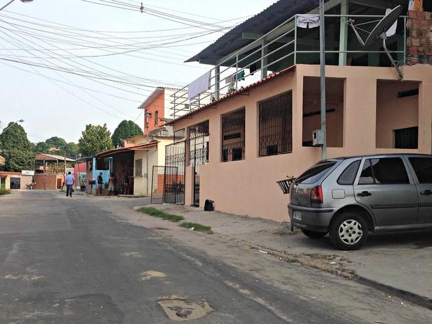 Crime ocorreu na Rua Pirita, no bairro Tancredo Neves (Foto: Indiara Bessa/G1 AM)