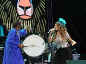 Naná Vasconcelos retorna ao palco do Marco zero para participação no show comando por Maestro Forró (Foto: Aldo Carneiro/Pernambuco Press)
