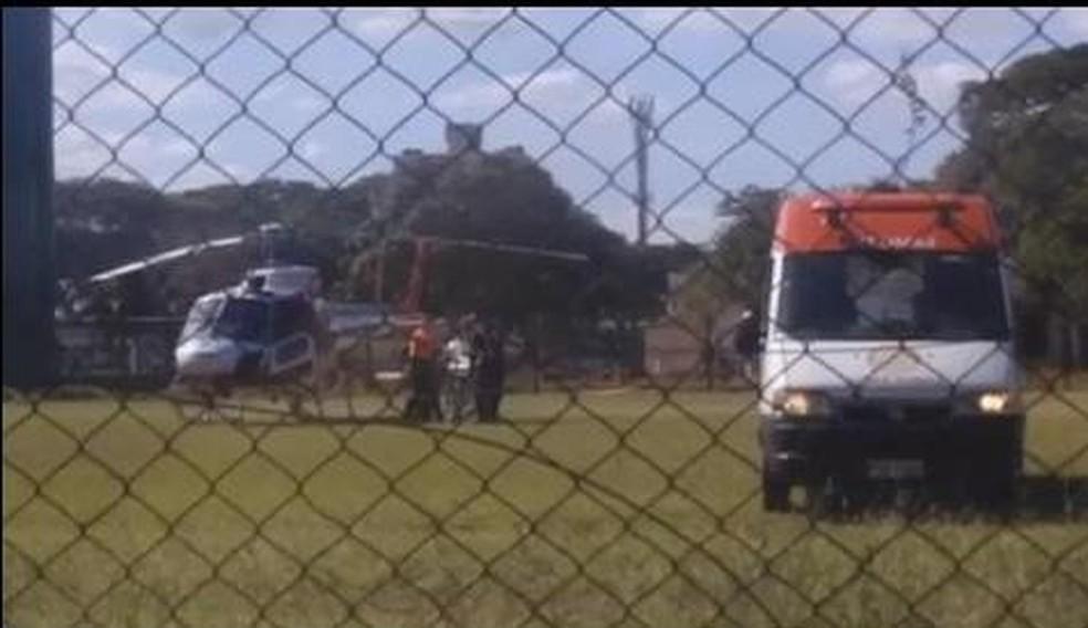 Mulher fica ferida em acidente de moto em Jacareí (Foto: Vanguarda Repórter/Pamela Silva)