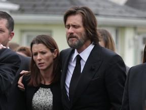 Jim Carrey no enterro de sua ex-namorada, Cathriona White (Foto: Getty Images)