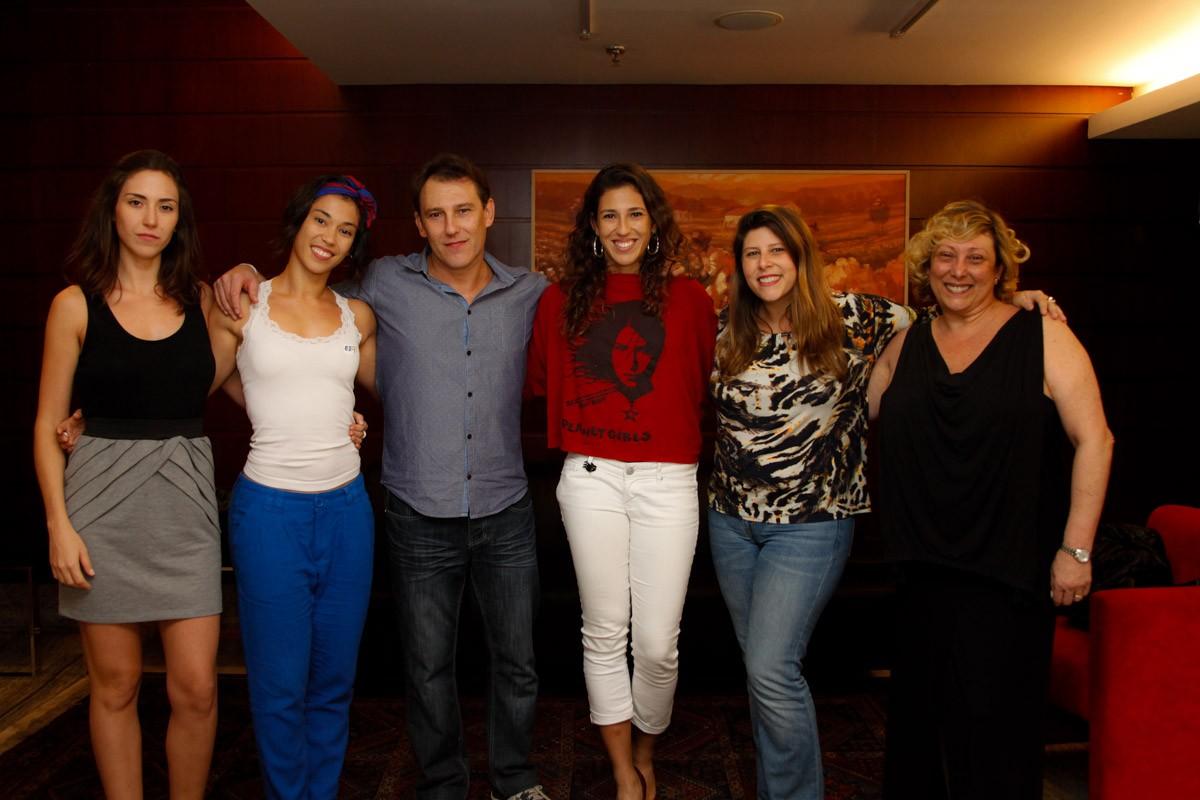 Clarissa Mayoral, Paula Miessa, Luana Miessa, Vanessa Goulart e Bárbara Goulart (Foto: Marcos Ribas/Foto Rio News)