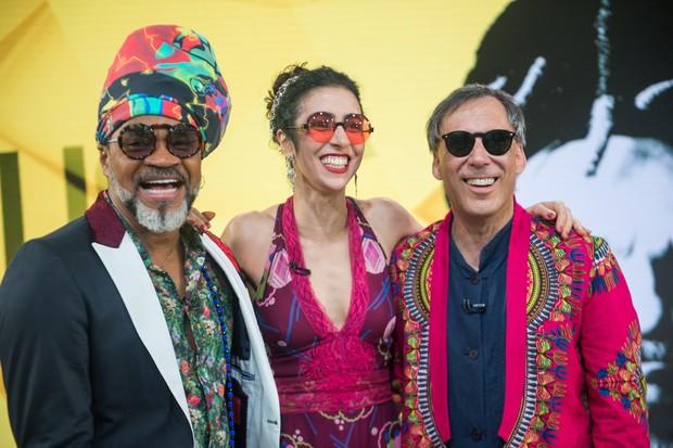 Carilinhos Borwn, Marisa Monte e Arnaldo Antunes apresentam m?sicas dos Tribalistas no palco do Fant?stico (Foto: Raquel Cunha/Globo)