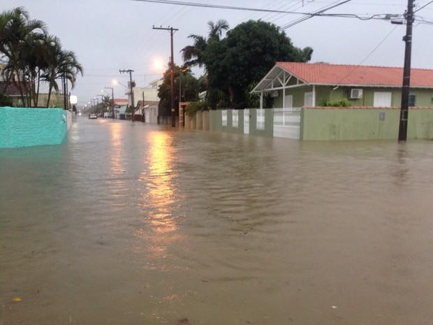 Chuva Criciúma (Foto: Gabriela Dias/Divulgação)