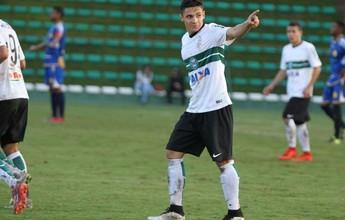 Estudante de educação física, Raphael Veiga é promovido ao grupo do Coxa