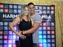 Carla Perez usa vestido curtinho e com transparência para show de Xanddy