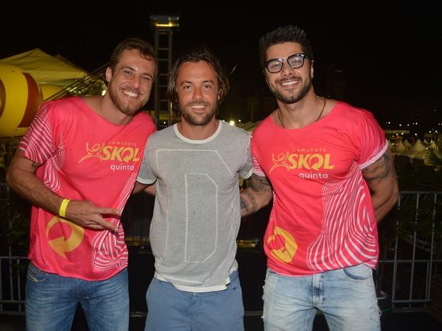 Kayky Brito e os ex-BBB Daniel Manzieri e Renan Oliveira em micareta em Natal (Foto: Felipe Souto Maior/ Ag. News)