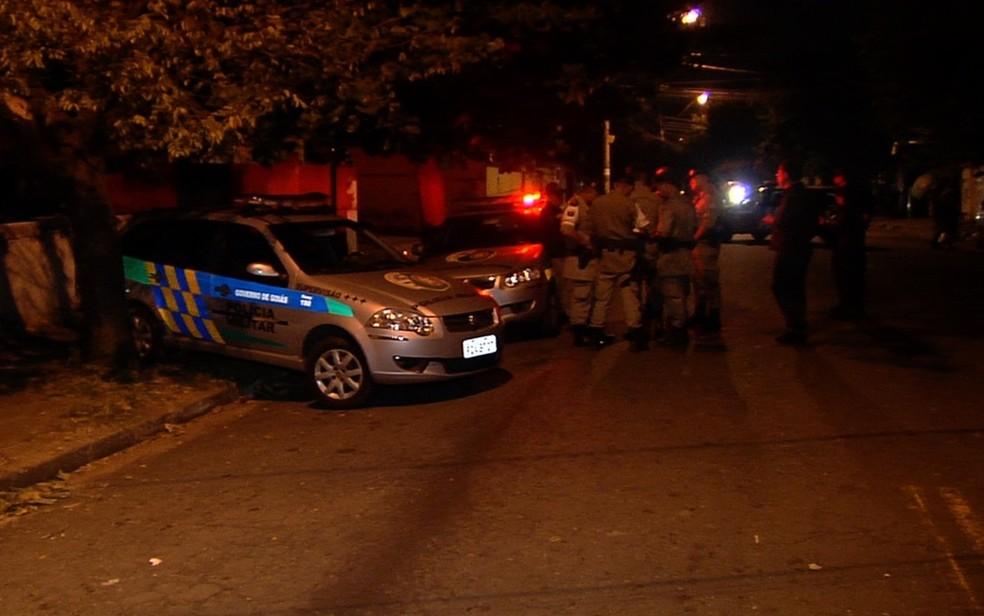 Mãe e filha foram encontradas mortas a facadas (Foto: Reprodução/TV Anhanguera)
