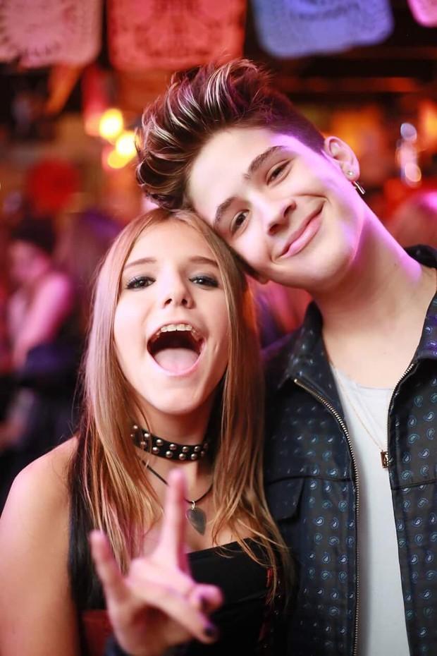 Giulia Nassa, do The Voice Kids, e João Guilherme (Foto: Criativy estúdio)
