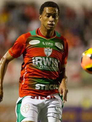Luis Ricardo, Portuguesa x Internacional (Foto: Marcelo Machado de Melo/Agência Estado)