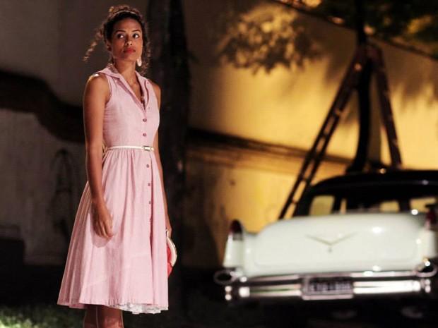Aisha Jambo em cena no filme Dá Licença de Contar (Foto: Divulgação)