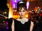 Mariana Ximenes se transforma em Audrey Hepburn e tem dia de 'Bonequinha de Luxo'