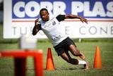 Santos se reapresenta, e Chiquinho volta a correr no gramado