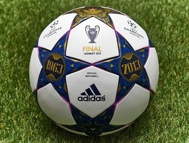 53eefd26d2 Uefa homenageia Wembley em bola oficial da final da Liga dos ...