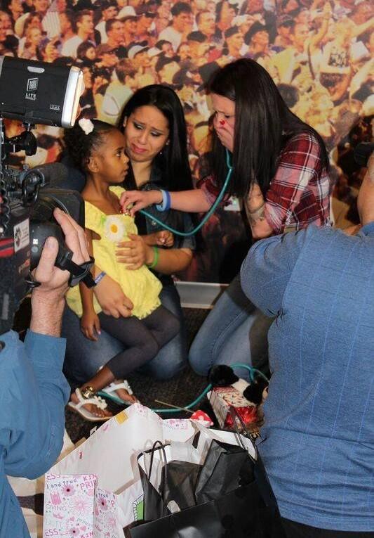 Heather ouve o coração do filho, doado a uma menina no Arizona