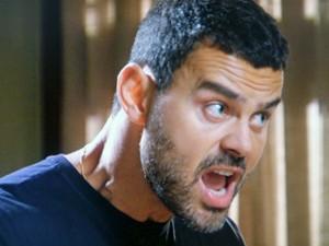 Maurílio perde a paciência com Danielle (Foto: TV Globo)