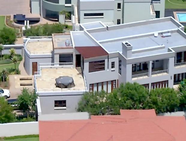 Oscar Pistorius casa local do crime (Foto: AP)
