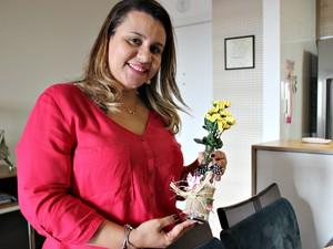 De acordo com Flavia Dias de Araújo, as mesas juninas são as mais fáceis de decorar (Foto: Indiara Bessa/G1 AM)