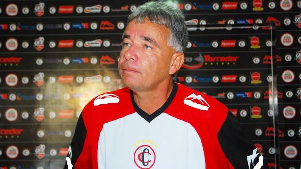 Degmar Silva, técnico do time sub-21 do Campinense (Foto: Leonardo Silva / Jornal da Paraíba)