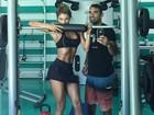 Grazi Massafera mostra barriga chapada em selfie com personal