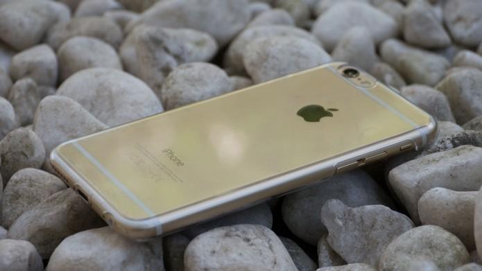 Case transparente para iPhone 6 da Intelimix (Foto: Reprodução/MacMagazine)