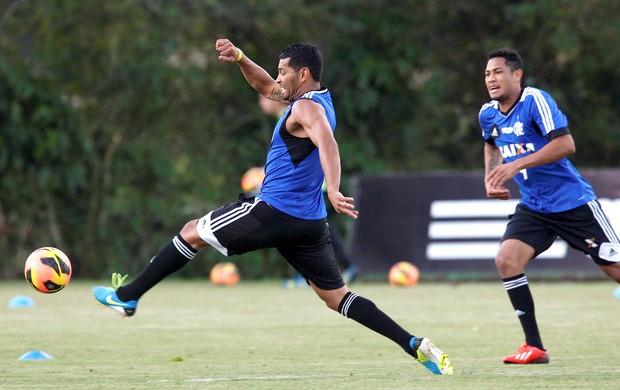 André Santos treino Flamengo (Foto: Marcos Trisão / Ag. O Globo)