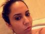 Mulher Melão posa nua em banheira e sensualiza na web
