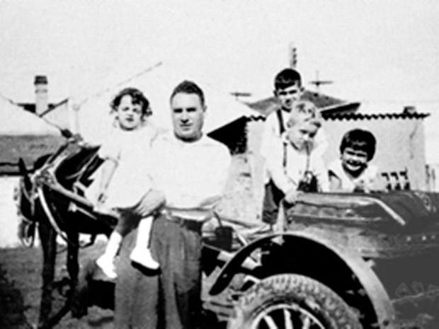 Samuel Klein nasceu em Lublin, na Polônia, em uma família judaica. Aos 19 anos, foi enviado pelos nazistas a um campo de concentração. Após a guerra, viveu na Alemanha e Bolívia, até chegar a São Caetano do Sul, no Grande ABC (Foto: Divulgação/Casas Bahia)