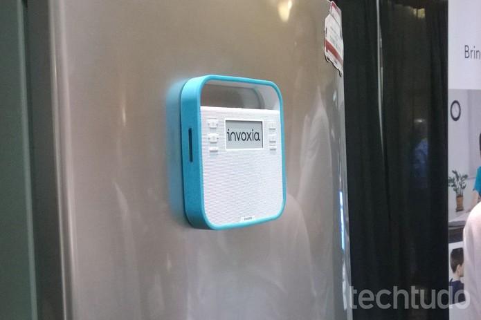 Invoxia pode ser colocado em geladeiras ou armários  (Foto: Elson de Souza / TechTudo)