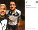 Pato visita Neymar antes de compromisso em Barcelona com o Villarreal
