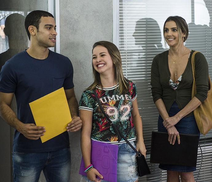 Laryssa em cena com Sérgio Malheiros e Deborah Secco (Foto: TV Globo)
