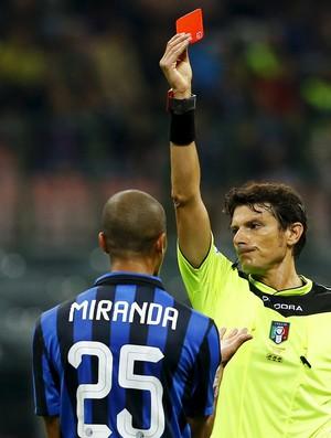 Antonio Damato e Miranda Inter de Milão x Fiorentina (Foto: Stefano Rellandini / Reuters)