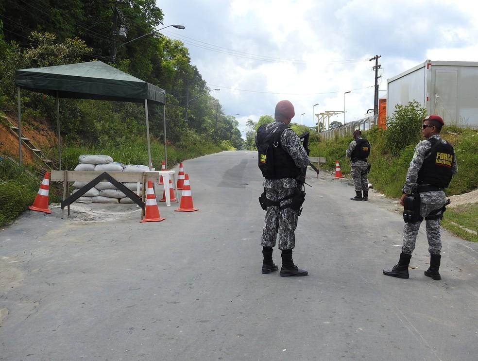 Centro de Detenção Provisória (CDPM2) fica na Zona Rural de Manaus; via de acesso ao local recebe fiscalização da Força Nacional (Foto: Ive Rylo/G1 AM)