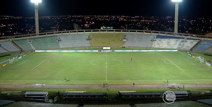 Estádio Albertão - River-PI x Ceará (Foto: Reprodução/TV Clube)
