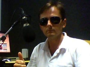 Jair Wathier foi ameaçado ao vivo durante seu programa de rádio em Giruá, RS (Foto: Arquivo Pessoal)