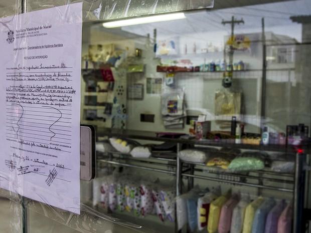Farmácia de manipulação interditada em Macaé (Foto: Bruno Campos/Divulgação)