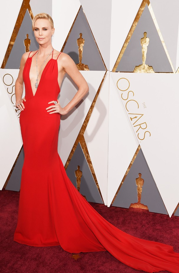 Charlize Theron no Oscar 2016 (Foto: Getty Images)