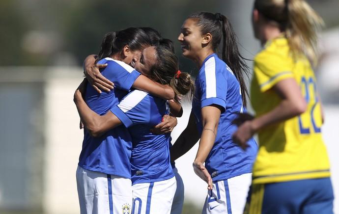 Marta faz gol de falta de longe 9f316f814f207