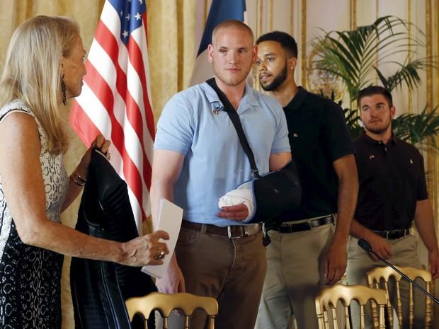 Americanos viajavam de férias e impediram ataque de atirador (Foto: REUTERS/Regis Duvignau)