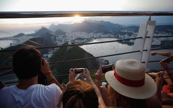 Turistas no Rio de Janeiro. A Olimpíada elevou os gastos na cidade com cartões da Visa (Foto: Getty Images)