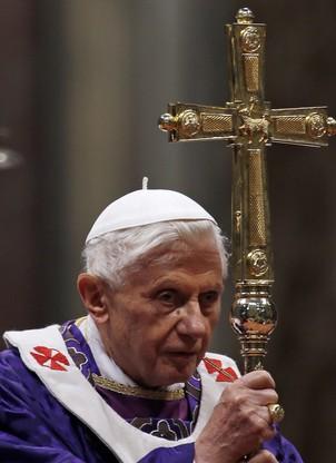 Papa Bento XVI celebrou nesta quarta-feira sua última missa aberta ao público (Foto: AP Photo/Gregorio Borgia)