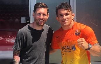 Messi recusa foto de encarada com ex-UFC e justifica: ''Tenho vergonha''