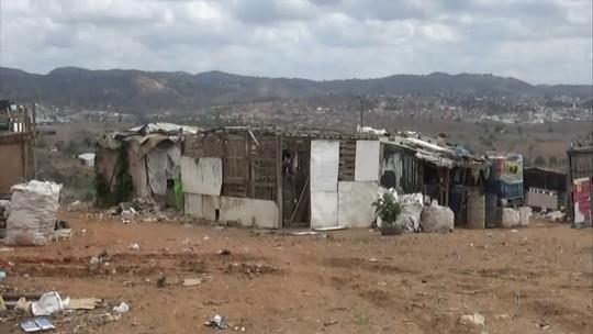 Proibidos, lixões ainda são realidade e abrigam famílias sem Pernambuco
