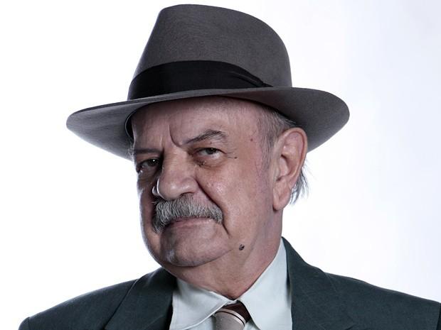 """Harildo Deda na pele de cel. Ribeirinho: """"Ele é sonso"""" (Foto: Gabriela / TV Globo)"""