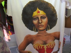 As mulheres puderam conhecer produtos que valorizam a identidade afro (Foto: Reprodução/ TV Gazeta)