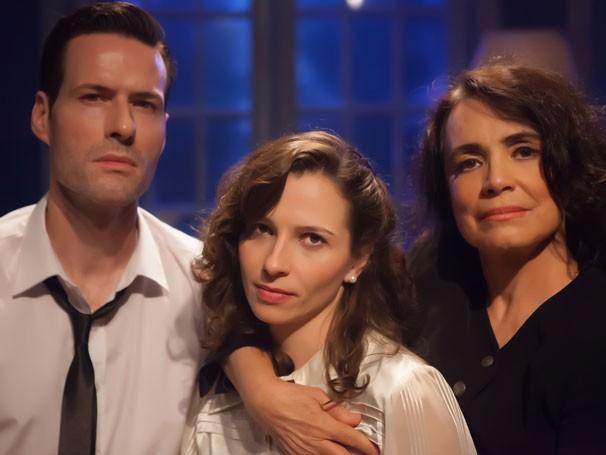 Regina Duarte divide a cena com Kiko Bertholini e Mariana Loureiro (Foto: Milena Fontes)