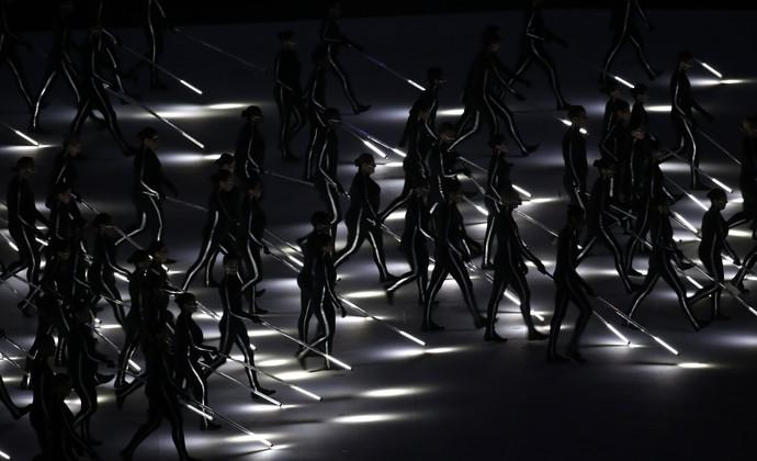 Cerimônia de abertura da Paralimpíada Rio 2016 - guas iluminadas (Foto: AP)