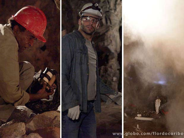 Silvestre vai implantar bomba, e Cassiano, acabar soterrado (Foto: Flor do Caribe / TV Globo)