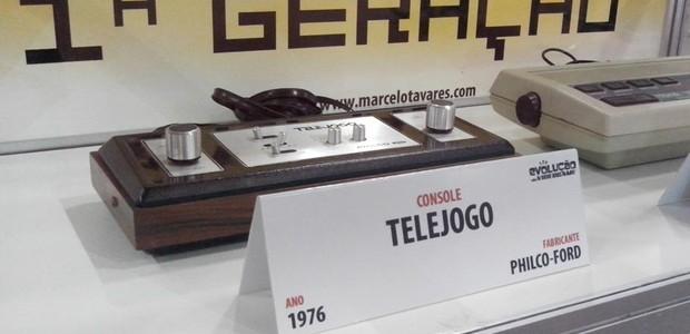 """Na área """"Evolução do Videogame"""", consoles do colecionador Marcelo Tavares (Foto: Daniela Trindade)"""