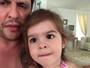 Ceará faz 'entrevista' com filha, Valentina, sobre o Carnaval